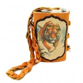 Картинка Фляжка «Охота 3» 1,5л в кожаном чехле. Комплект